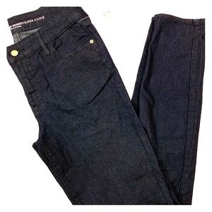 NWT Old Navy dark wash Super Skinny mid-rise jeans